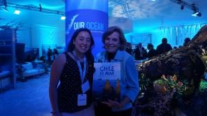 En su estadía por Estados Unidos, conoció a la destacada bióloga marina Sylvia Earle, quien ha trabajado en National Geographic, ha dirigido el NOAA y en 1998 fue nombrada como la primera Héroe del Planeta por la prestigiosa revista Time.